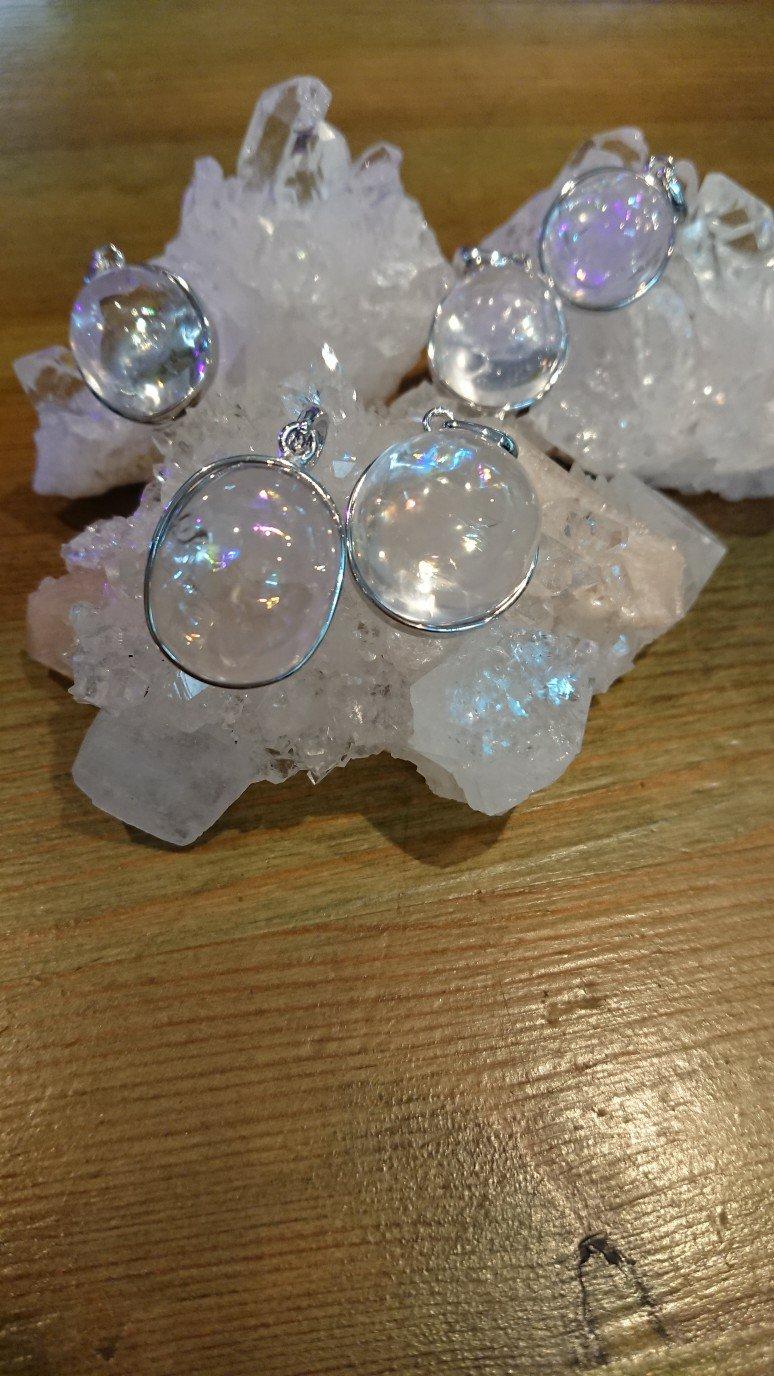 レインボー水晶ペンダントトップ